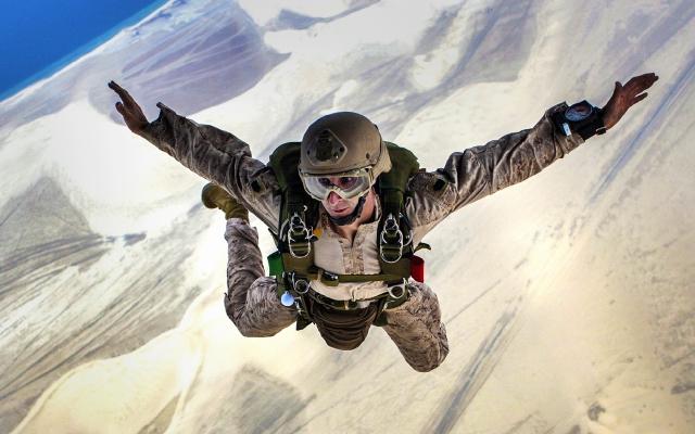 Skydiving Jump Falling-ID9010-640x400